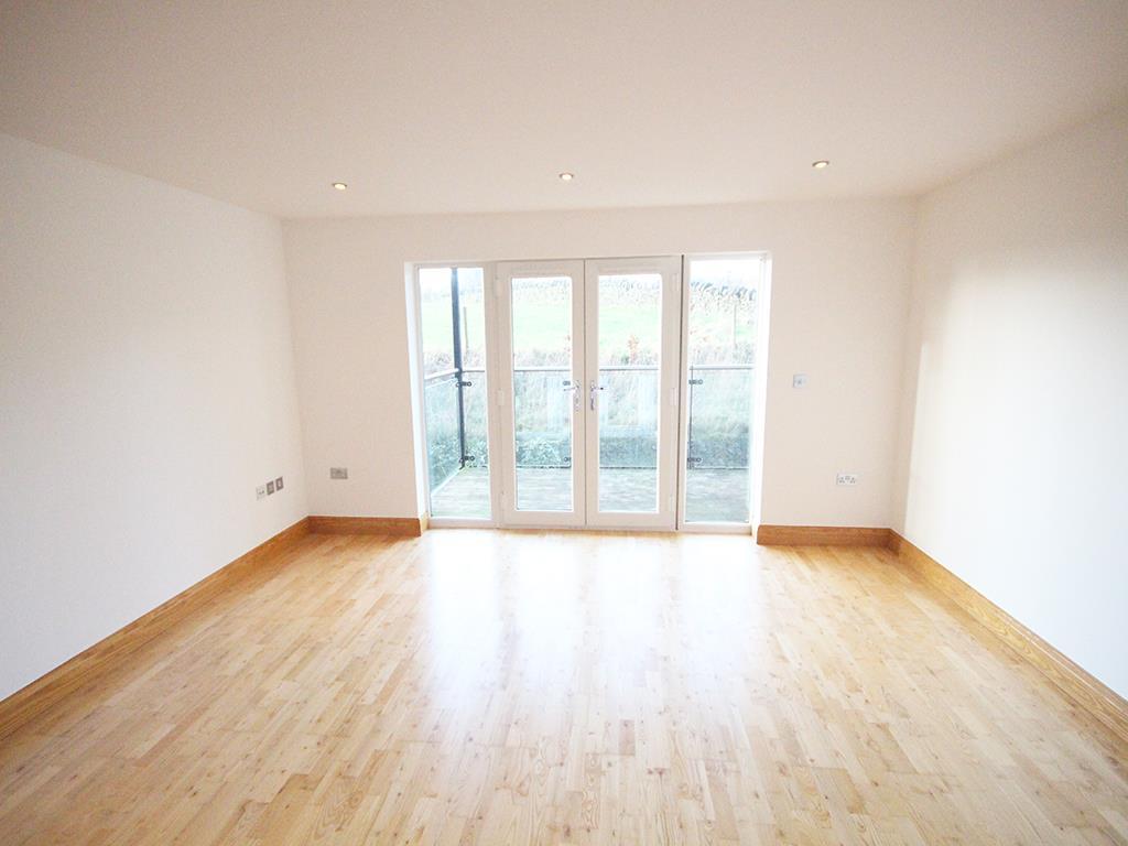 2 bedroom flat For Sale in Foulridge, Colne - IMG_0902.jpg